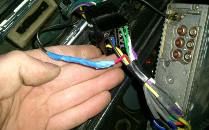 Подключение управляющего провода магнитолы к зажиганию